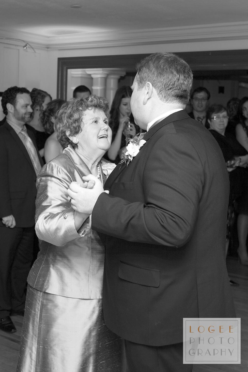 McIntosh-Burns Wedding - 7212Bw